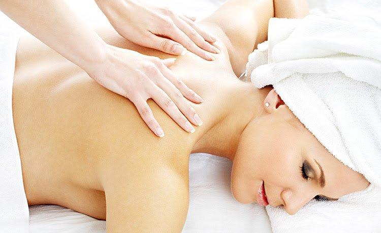 Benefícios da massagem para os sintomas da menopausa